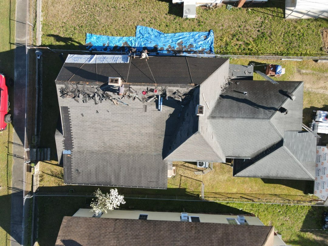 Graniteville, SC - Residential roofer South Point Roofing and Construction replacing residential architectural shingle roof in Graniteville, SC with new Atlas Pinnacle Pristine architectural shingles with Scotchgarde by 3M. 803-648-9399