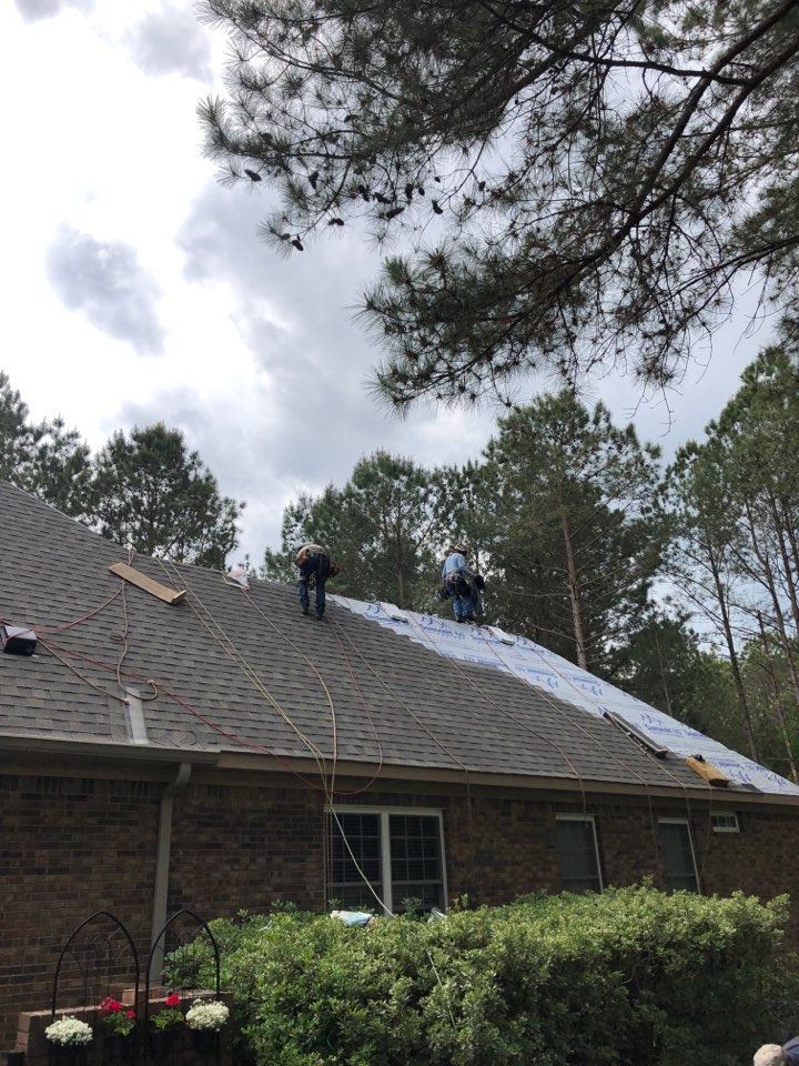 Aiken, SC - Residential roof replacement in Cedar Creek subdivision in Aiken SC by South Point Roofing & Construction, Inc. Using Atlas Pinnacle Pristine architectural shingles with Scotchgard by 3M