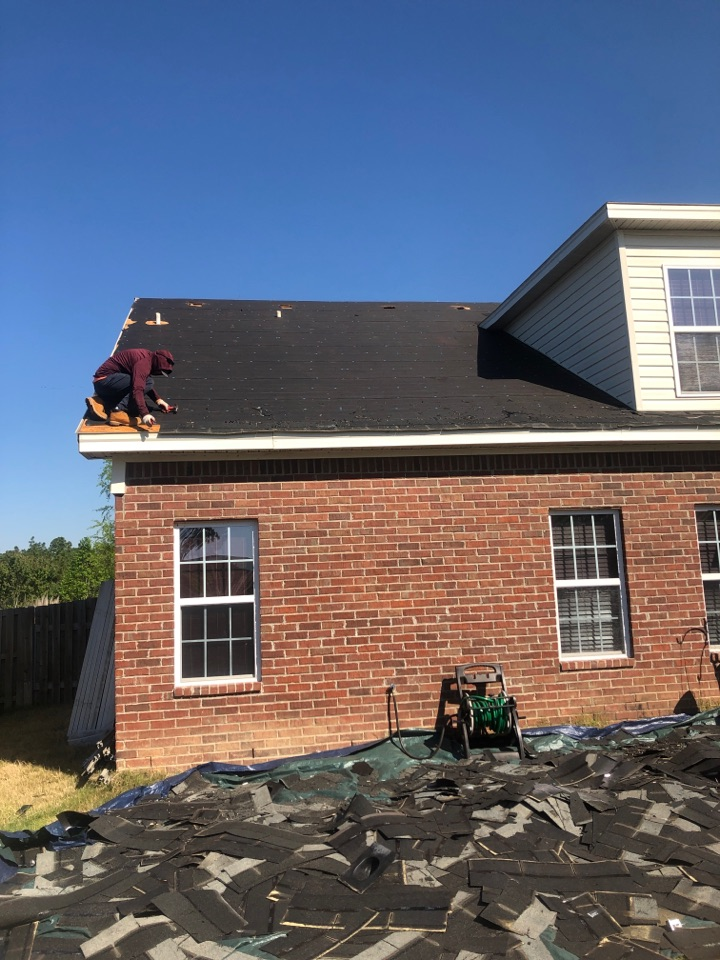 Graniteville, SC - Residential roof replacement by South Point Roofing & Construction, Inc. In Graniteville SC using Atlas Glassmaster 3 tab shingles