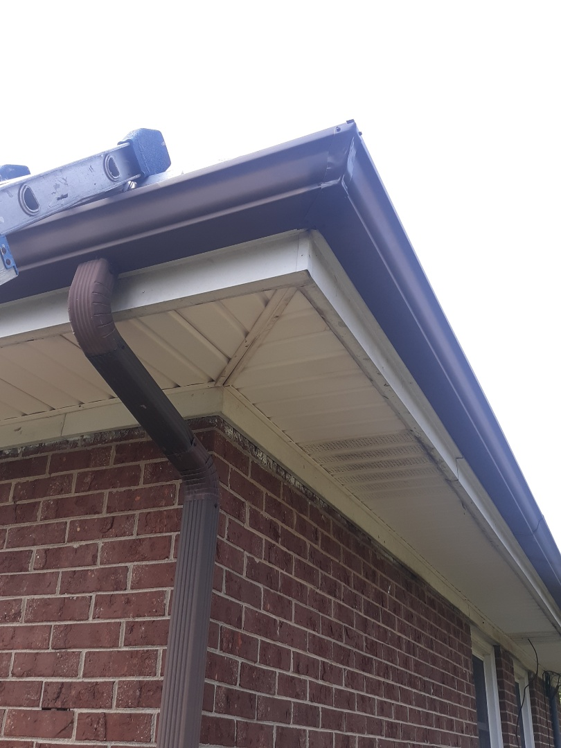 Aiken, SC - South Point Roofing and Construction is replacing rotted fascia and repairing gutter leaks in Aiken, SC.