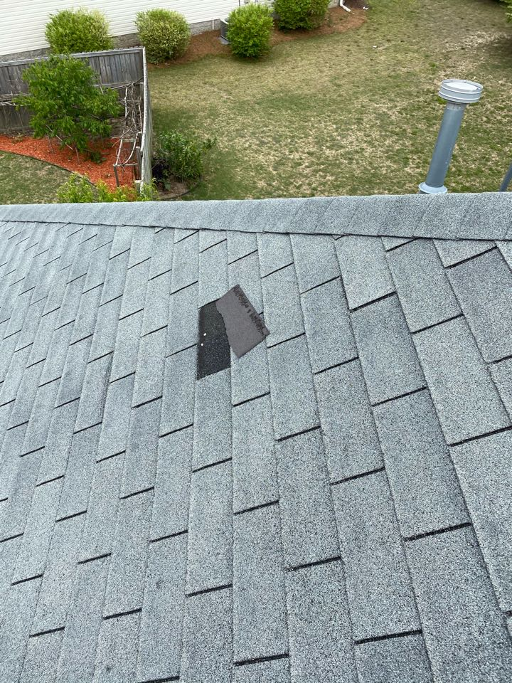 Graniteville, SC - South Point Roofing and Construction repairing wind blown shingles in Sage Creek neighborhood in Graniteville SC