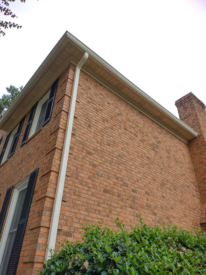 Evans, GA - South Point Roofing and Construction is installing 6 inch Cameo Seamless Gutter in Evans, GA.