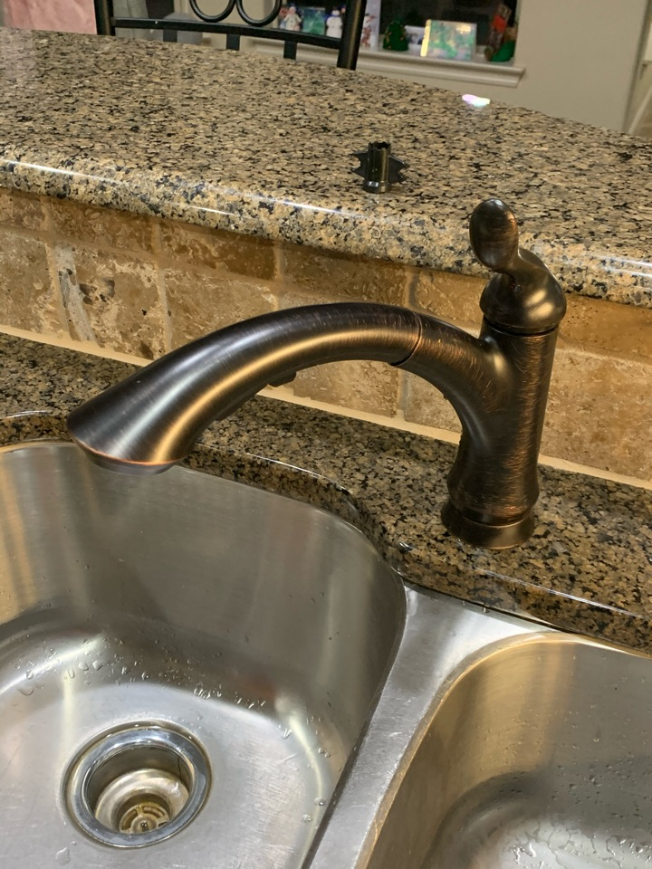 Granbury, TX - Kitchen sink faucet replacement and toilet repairs in Granbury.