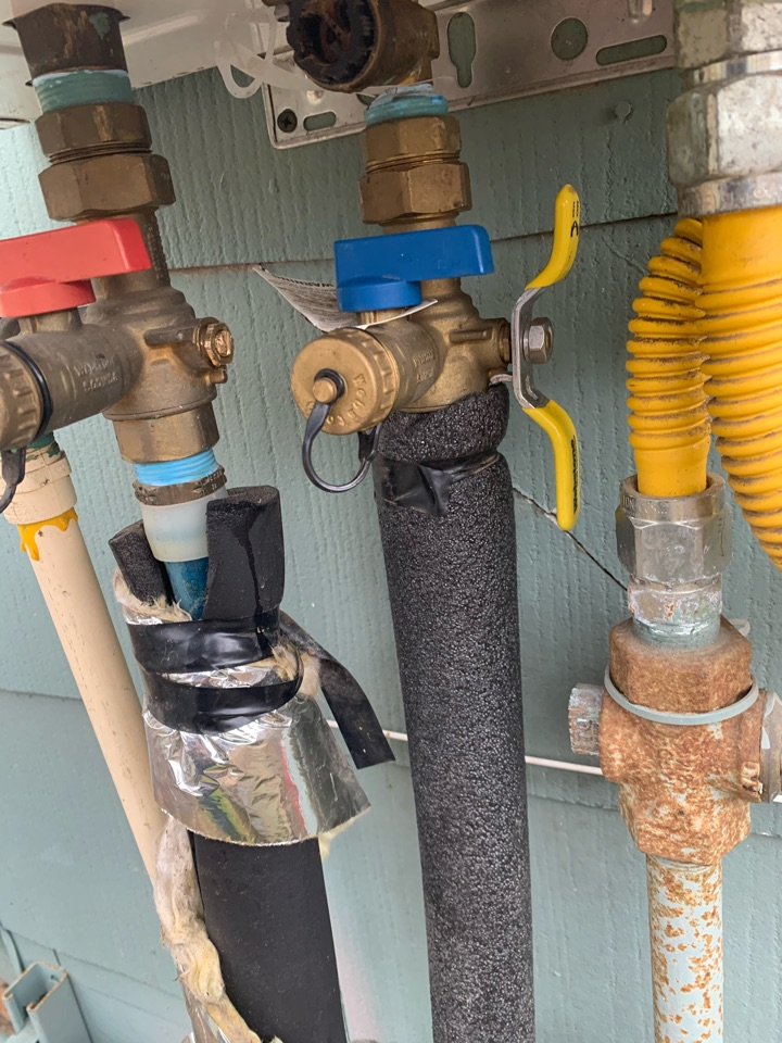 Weatherford, TX - Tankless water heater repair in Weatherford.