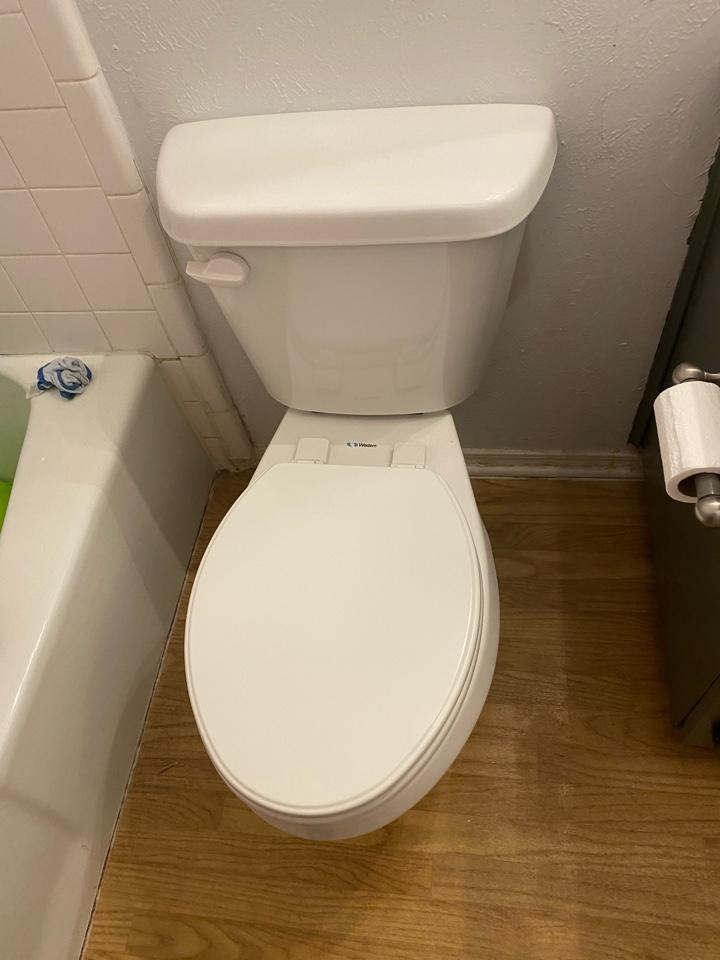 Crowley, TX - Replacing toilet