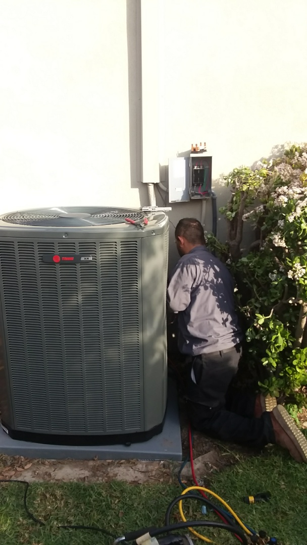 Changing out the clients old central air conditioning system. Installing a new 16 seer Trane unit. So quiet it's unbelievable. #southwesthvac #hvac