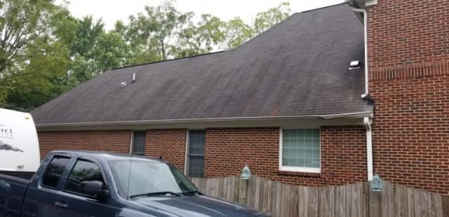 Manassas, VA - Free estimate for residential single family home with discolored/deteriorate shingles. We recommended GAF Timberline HD shingles.