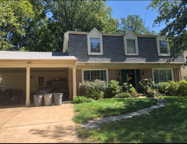 Fairfax, VA - Fairfax, VA - Beautiful home got a complete roof replacement. The homeowner chose the color shingle charcoal in the architectural style shingles from GAF. This shingle gives the home a nice modern look! #Roofing #RoofReplacement #GAF #TimberlineHD #Shingle #Asphalt #RoofingContractor #ResidentialRoof