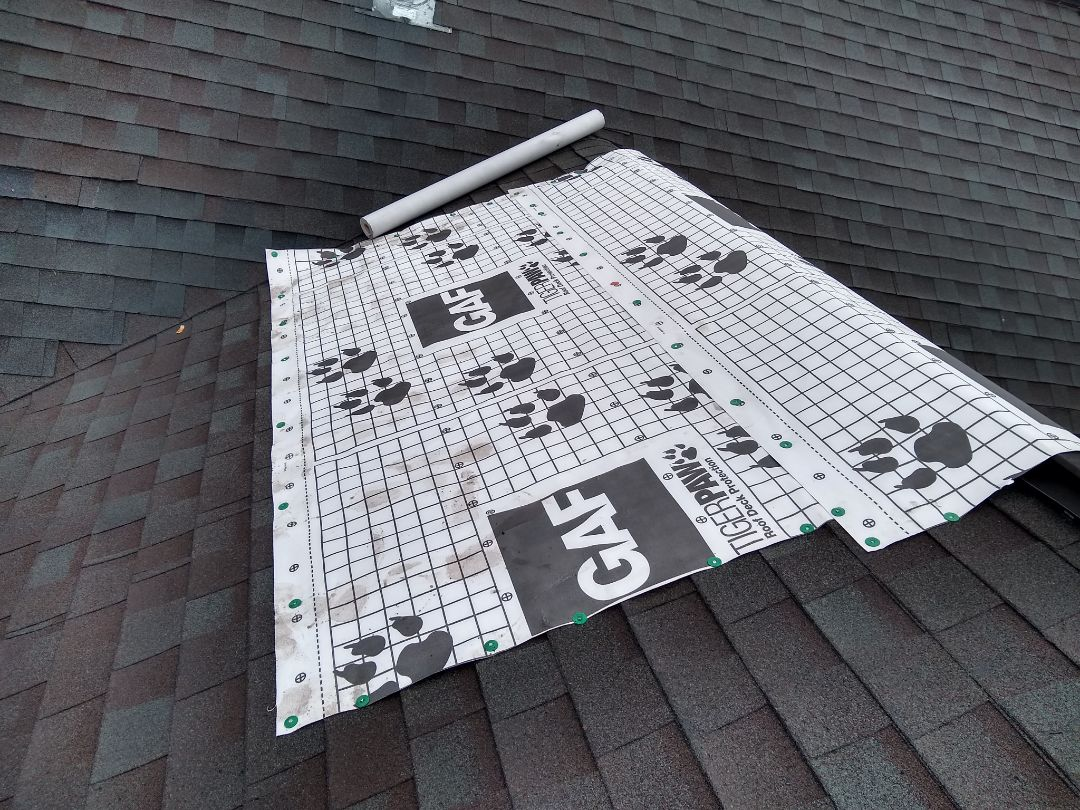 Leesburg, VA - 	Leesburg, VA - Homeowner had a roof leak due to missing shingles. We are on call to perform emergency tarping. #NorthernVARoofer #FairfaxCounty #AffordableRoofingCompanyNearMe #LocalRoofers #RoofMaintenanceCompany #RoofingCompany #RoofingNorthernVA #RoofingFairfaxVA #RoofingArlingtonVA #RoofingCentrevilleVA #Roofing #ContractorVirginia #ManassasRoofingContractor #NorthernVirginiaRoofer #RoofRepair