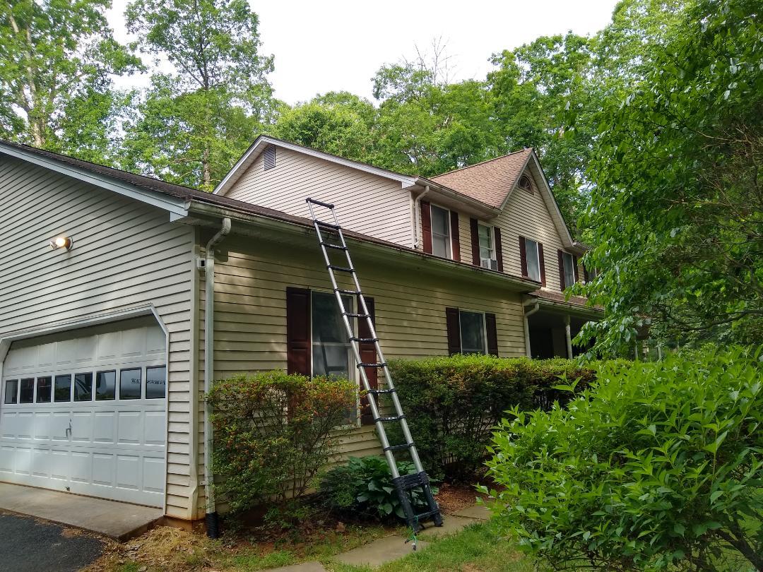 Warrenton, VA - Warrenton, VA - Providing a roof replacement estimate. #HillRoofing #VARoofer #WarrentonRoofer #FauquierCounty #VARoofer #AffordableRoofingCompanyNearMe #LocalRoofers #RoofMaintenanceCompany #RoofingCompany #RoofingNorthernVA #RoofingFairfaxVA #RoofingArlingtonVA #RoofingCentrevilleVA #Roofing #ContractorVirginia #ManassasRoofingContractor #NorthernVirginiaRoofer #RoofReplacement