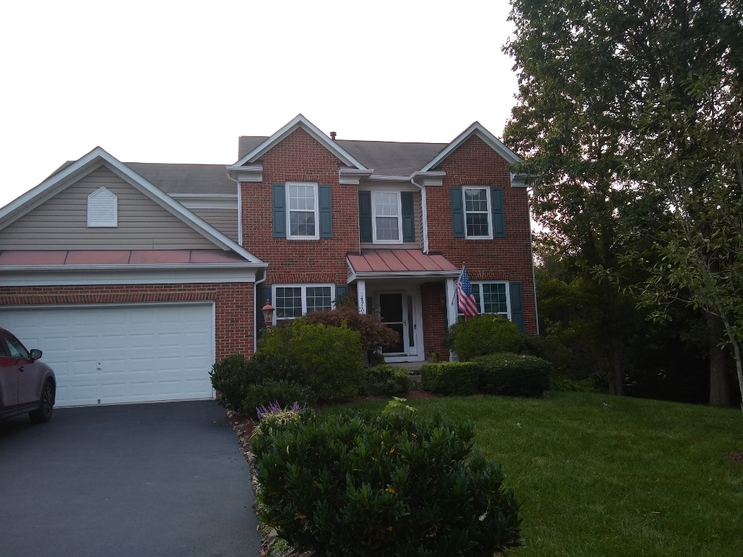 Woodbridge, VA - Woodbridge, VA - Hill roofing is excited to offer Veterans the GAF Roofs For Troops $250.00 discount on new roofs. We will be installing a new roof on this home next week. #PrinceWilliamRoofing #VARoofer #NorthernVAAffordableRoofingCompanyNearMe #BurkeAffordableRoofingCompanyNearMe #WarrentonLocalRoofers #NorthernVARoofMaintenanceCompany #LortonRoofMaintenanceCompany #NorthernVARoofingCompanyNearMe #ManassasRoofingCompanyNearMe #NorthernVARoofingCompany