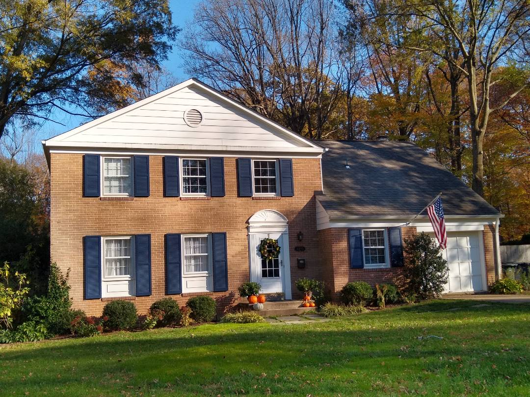 Annandale, VA - Hill Roofing is in Annandale, VA. We will meet with your insurance adjuster to go over any storm related damage your roof has incured. We have our own insurance adjuster on staff to assit you through the process. #PrinceWilliamCountyRoofing #VARoofer #NorthernVAAffordableRoofingCompanyNearMe #BurkeAffordableRoofingCompanyNearMe #WarrentonLocalRoofers #NorthernVARoofMaintenanceCompany #LortonRoofMaintenanceCompany #NorthernVARoofingCompanyNearMe #ManassasRoofingCompanyNearMe #NorthernVARoofingCompany