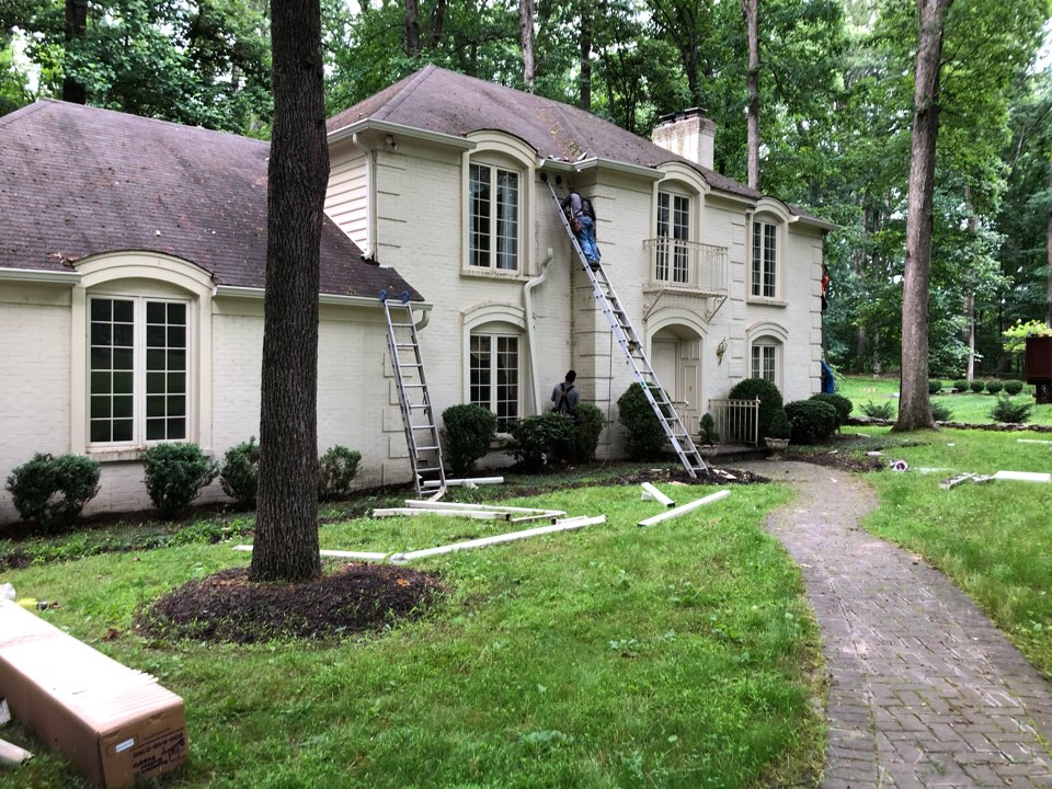 Gainesville, VA - Gainesville, VA - We are replacing the gutters on this beautiful home! #NorthernVAAffordableRoofingCompanyNearMe #BurkeAffordableRoofingCompanyNearMe #WarrentonLocalRoofers #NorthernVARoofMaintenanceCompany #LortonRoofMaintenanceCompany #NorthernVARoofingCompanyNearMe #ManassasRoofingCompanyNearMe #NorthernVARoofingCompany