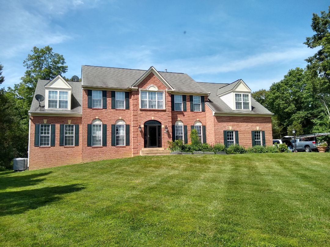 Centreville, VA - Hill Roofing is in Centerville VA providing an estimate for a full roof replacement. #NorthernVAAffordableRoofingCompanyNearMe #BurkeAffordableRoofingCompanyNearMe #WarrentonLocalRoofers #NorthernVARoofMaintenanceCompany #LortonRoofMaintenanceCompany #NorthernVARoofingCompanyNearMe #ManassasRoofingCompanyNearMe #NorthernVARoofingCompany