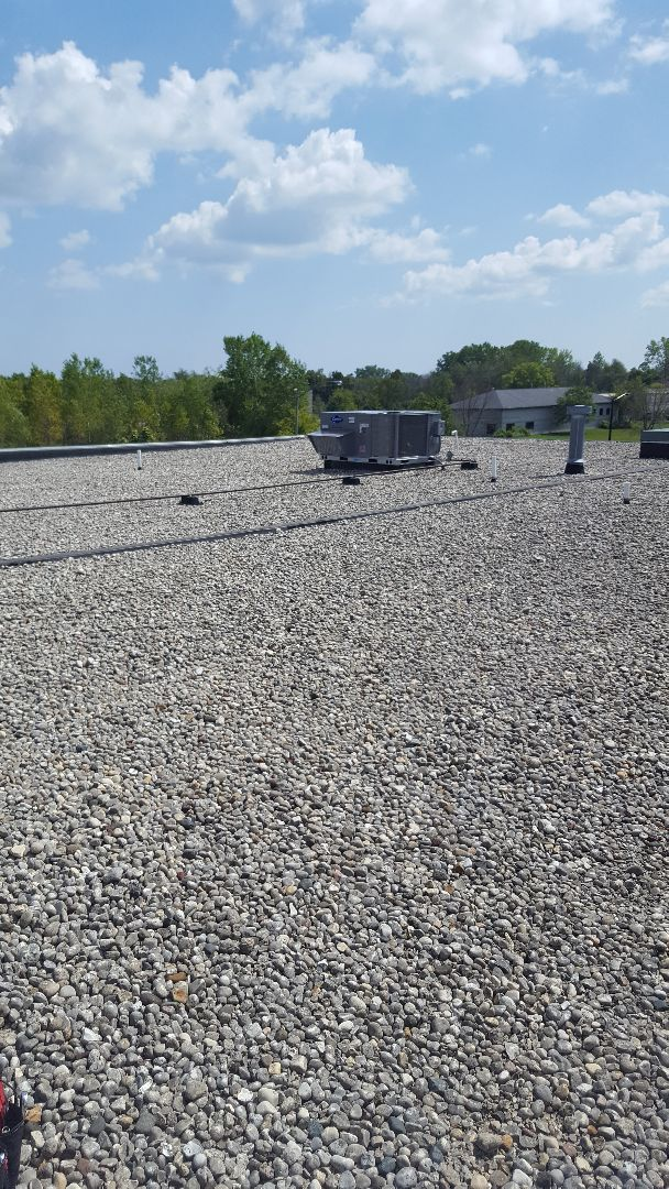 Saukville, WI - Replacing Carrier Comercial rooftop package units