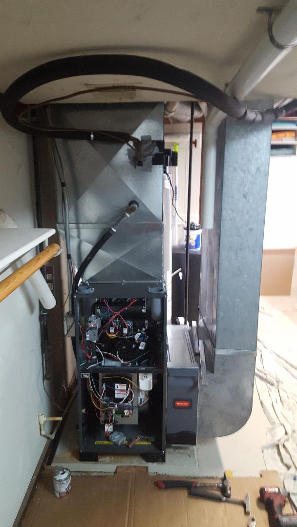 Cedarburg, WI - New Daikin Furnace install.