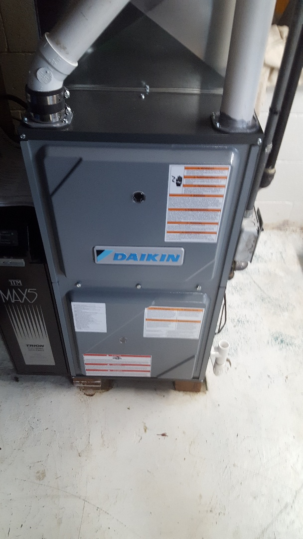 Fredonia, WI -  Daikin high-efficiency gas furnace installation by Joint Task Force of Service Experts and installation experts