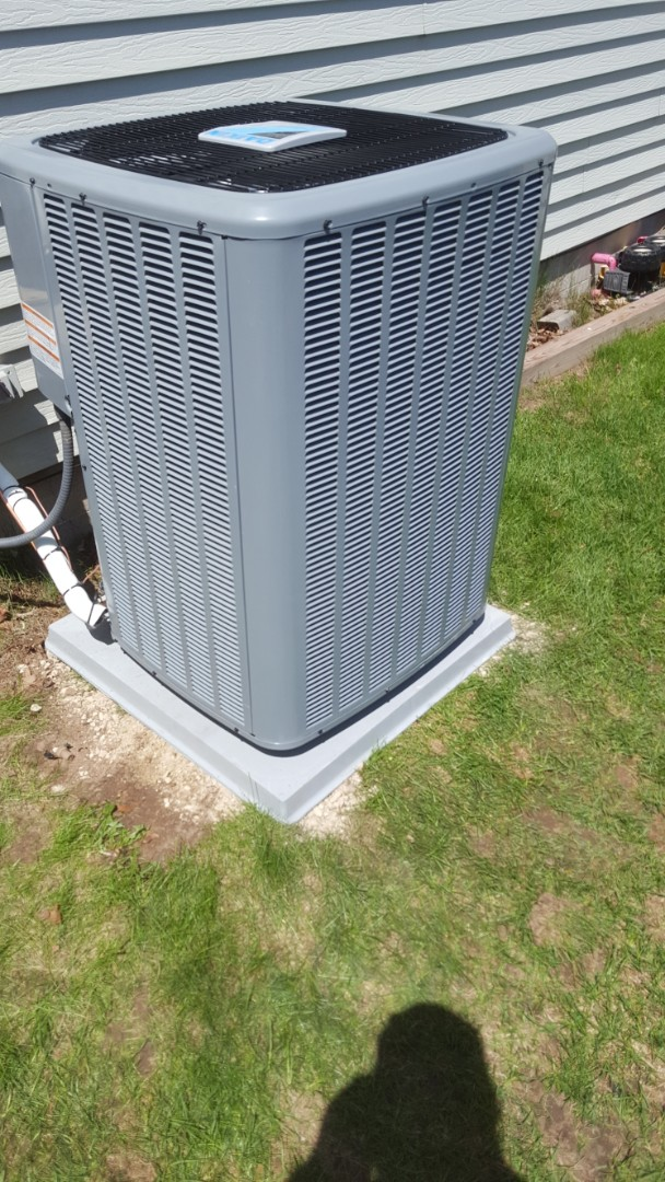 Mequon, WI - Daikin high efficiency 16 Seer air conditioner installation