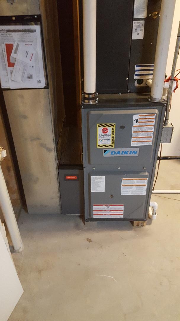 Port Washington, WI - Daikin high efficiency gas furnace and air conditioner installation