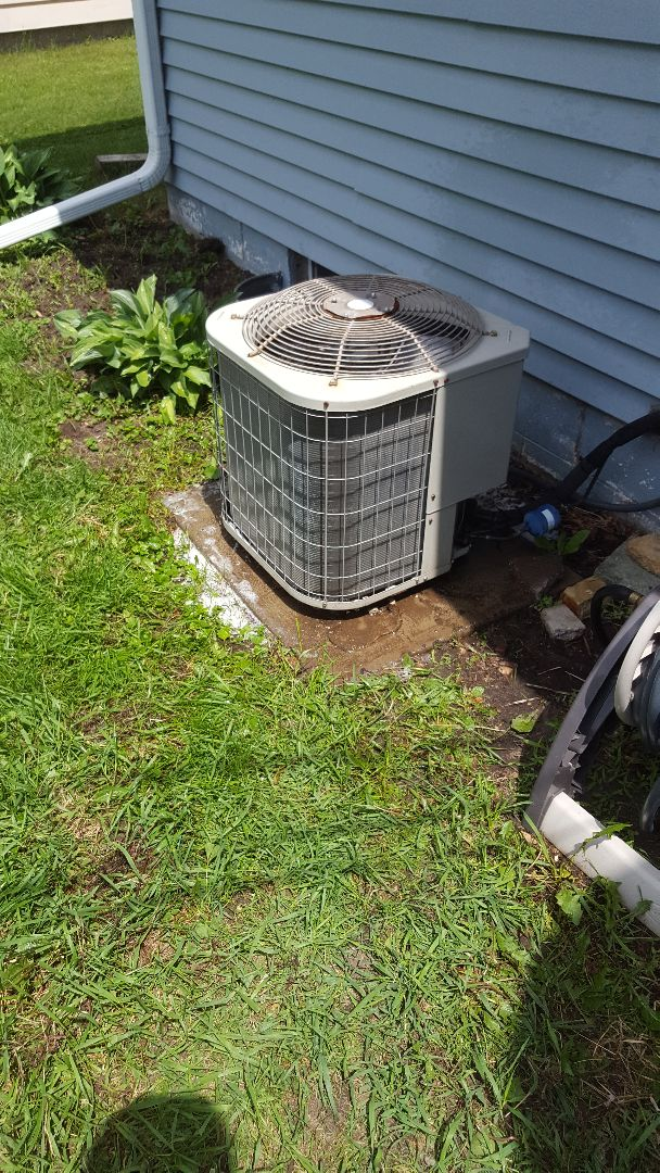 West Bend, WI - Tune-up Payne central air conditioner