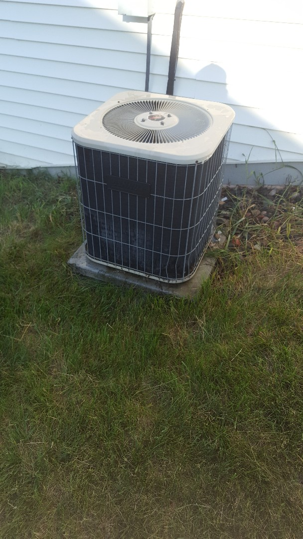 Fredonia, WI - Lennox central A/C service