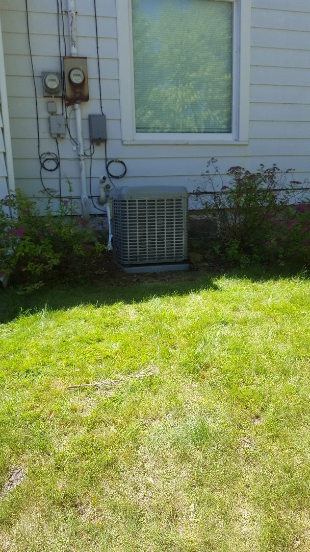 Port Washington, WI - Luxaire high efficiency central air conditioner installation