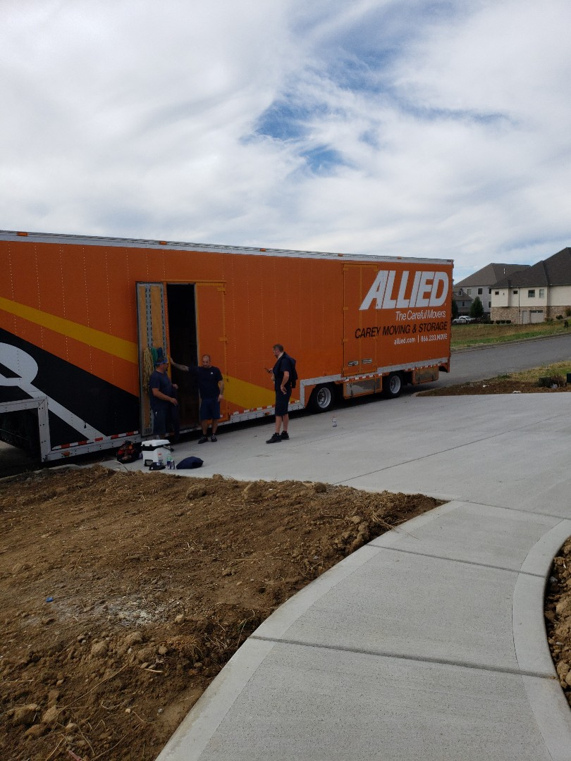 Unloading customer into their newly built home!!