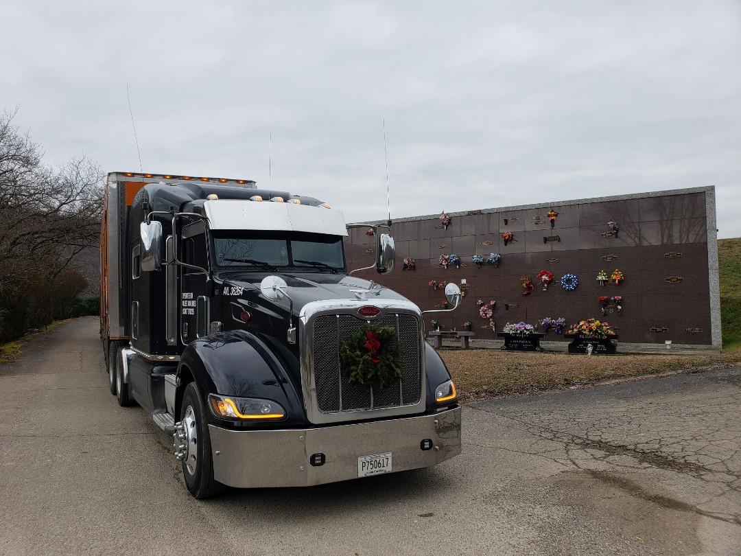 Marion, NC - Unloading customer into ministorage.