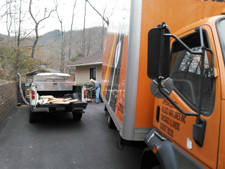 Black Mountain, NC - We are packing up a house in Black Mountain