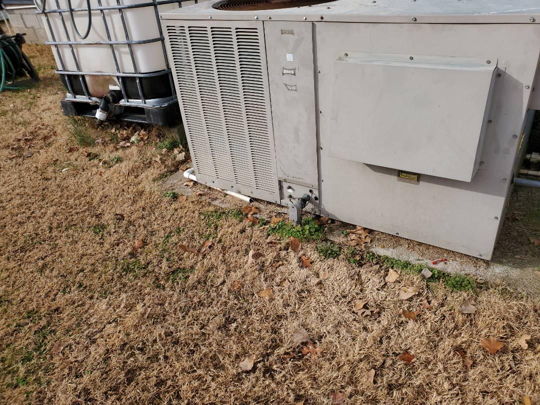 Mannford, OK - Heating maintenance in Mannford on Goodman package unit.