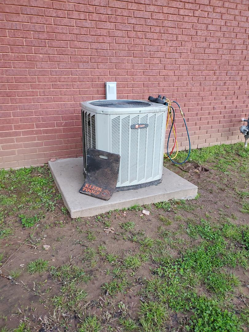 Wagoner, OK - Service call in Wagoner, bad hard start kit on Trane ac unit.