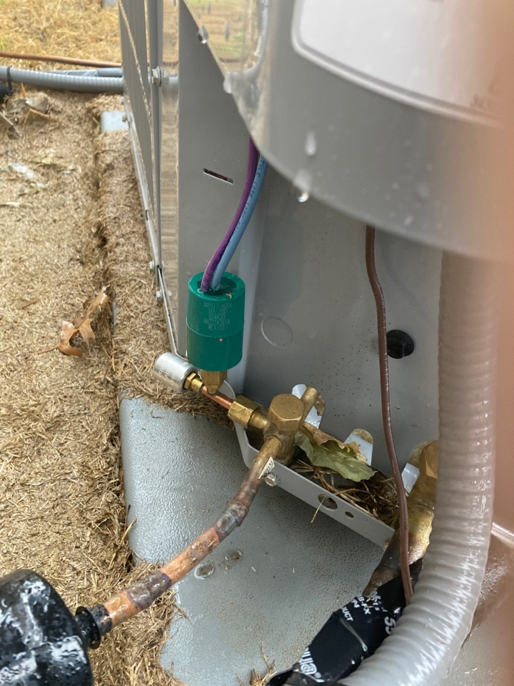 AC not cooling, improper wiring on low ambient switch. Retired system is cooling!