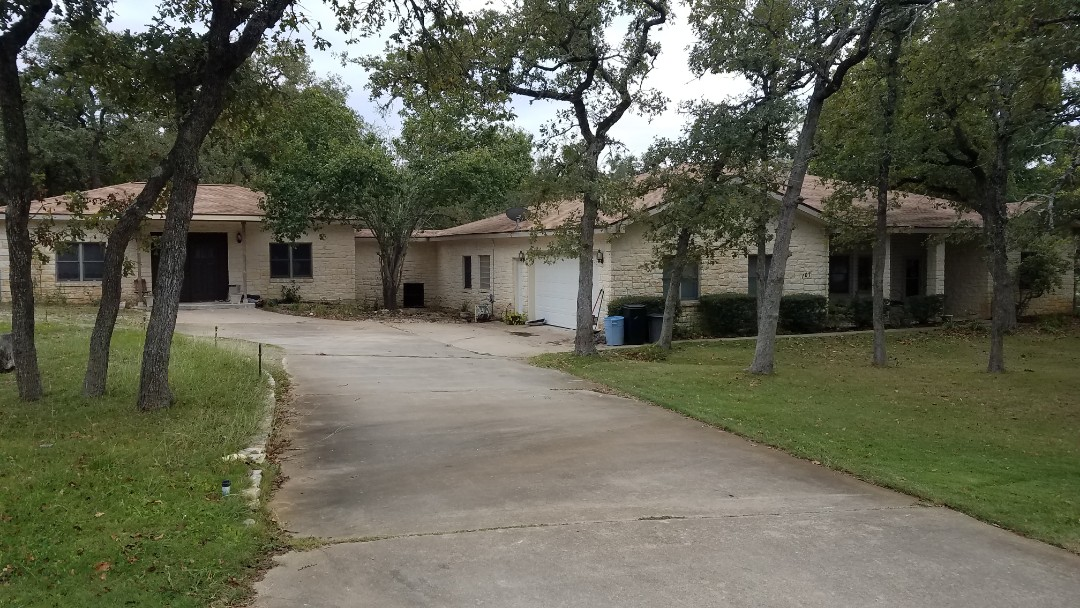 Elgin, TX - Re-roof and new screened in patio job complete.