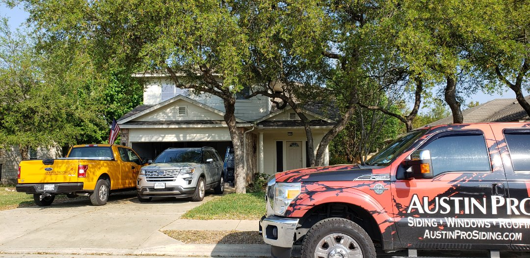 Round Rock, TX - Giving quotes on changing out the old square block master bedroom window to a nice energy efficient vinyl slide window and also a nice new wood textured oak color fiberglass ProVia and ThermaTru front door, with the famous Texas Star of course! Customer Request and I we can definitely deliver on the customers needs!