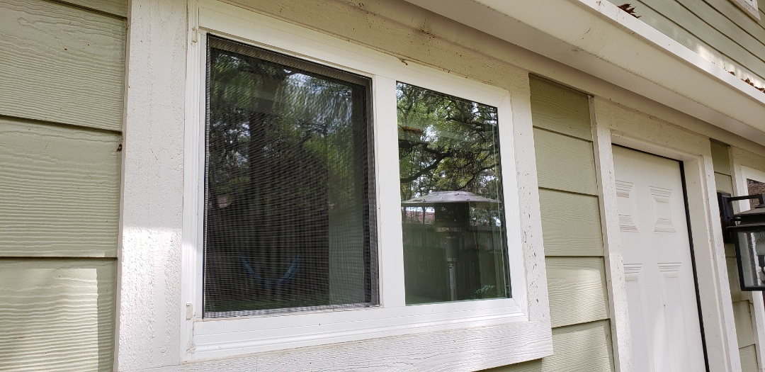 Austin, TX - Customer claims to have a very bad leaking window on this home they just bought, said they had it inspected and also had someone out to seal the leak, but nothing worked. They called me, and I immediately noticed that the previous company has installed a Single Hung window sideways and made it a slider. This doesn't work very well, I will be getting this customer fixed up with an actual slider window design. Customer laughed after I found the problem in 30 seconds.
