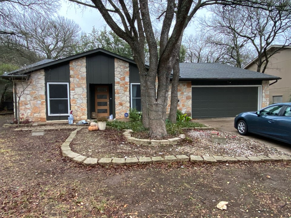 Austin, TX - Just replaced all of the siding on this one story house, looks great!
