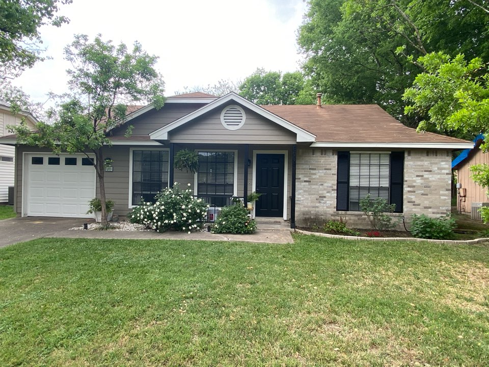 Austin, TX - Just replaced all of the siding on this beautiful one story house, looks great!