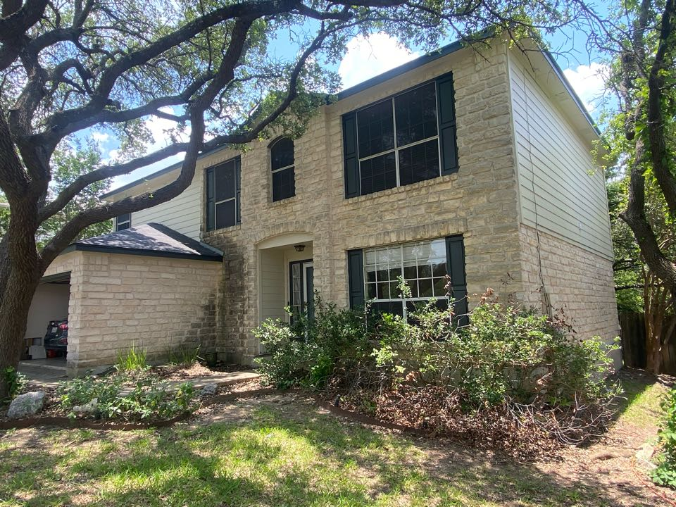 Cedar Park, TX - Just completed a full siding replacement on this beautiful two story home in Cedar Park, TX. Installed all-new James Hardie siding, looks great!
