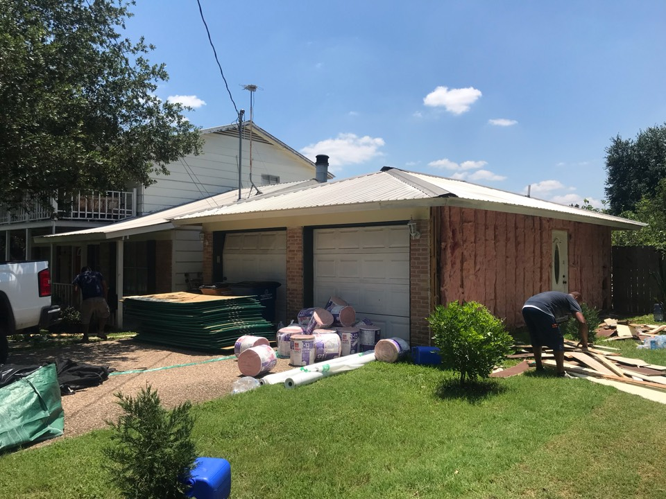 Austin, TX - We are starting a large James Hardie siding job this morning in Austin, TX. This should be a big change.