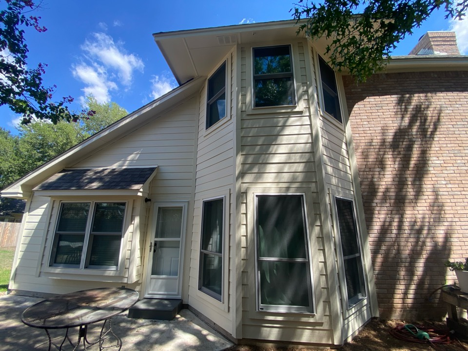 Round Rock, TX - Just replaced all of the siding on this beautiful two story house, looks great!