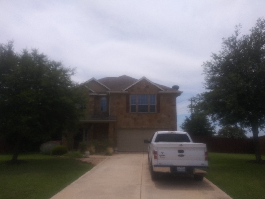 Liberty Hill, TX - Pre-roof final inspection. Re-roof this Saturday. Going from 3-tab shingle to Malarky impact resistant Laminates.
