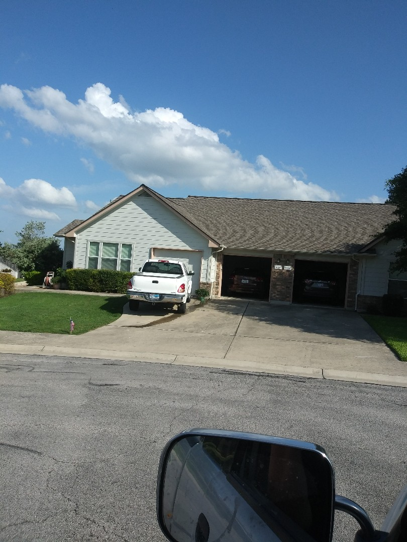 Georgetown, TX - Picture of duplex we reroofe d in Katy crossing