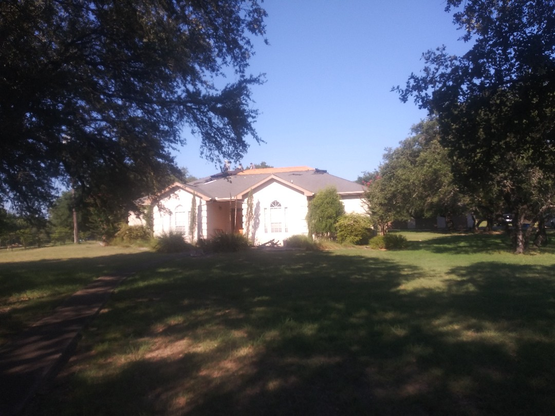 Liberty Hill, TX - 63 square Owens Corning reroof in Liberty Hill