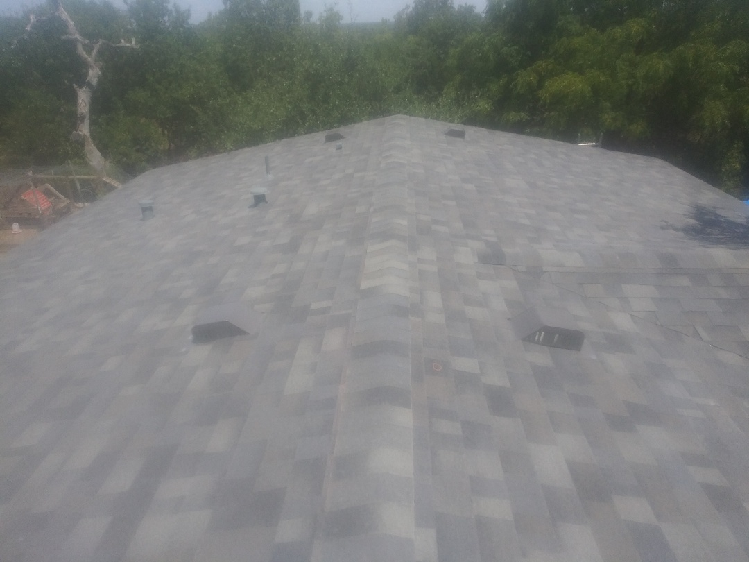 Liberty Hill, TX - New Laminate roof Malarky impact resistant Vista shingles Storm Grey in Liberty Hill, Texas