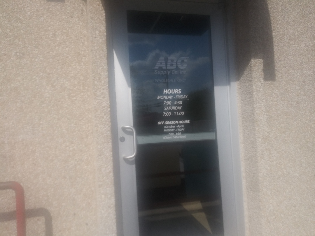 Austin, TX - Picking u shingle Samles at ABC Supply on Bratton On. North Austin Flugerville area.