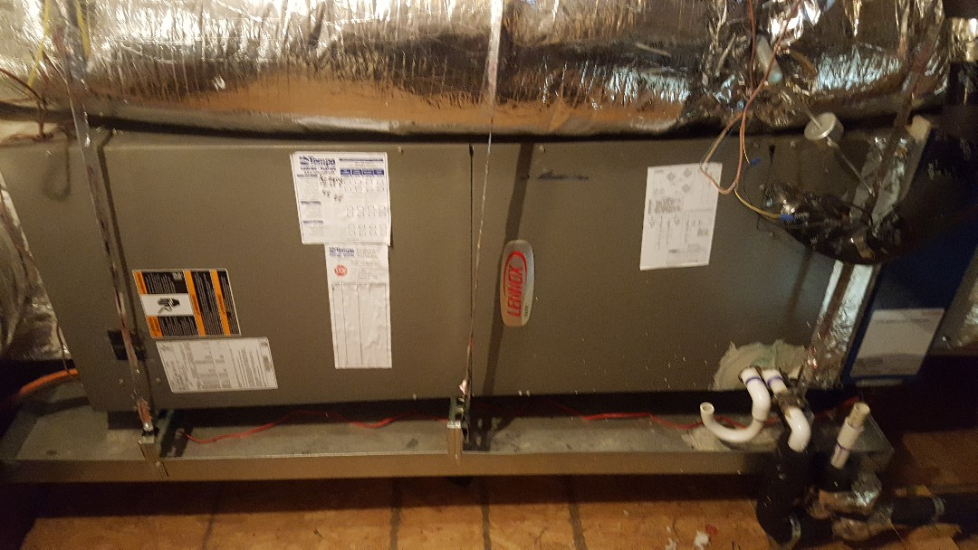 Aubrey, TX - Maintaince on Lennox Air Conditioning