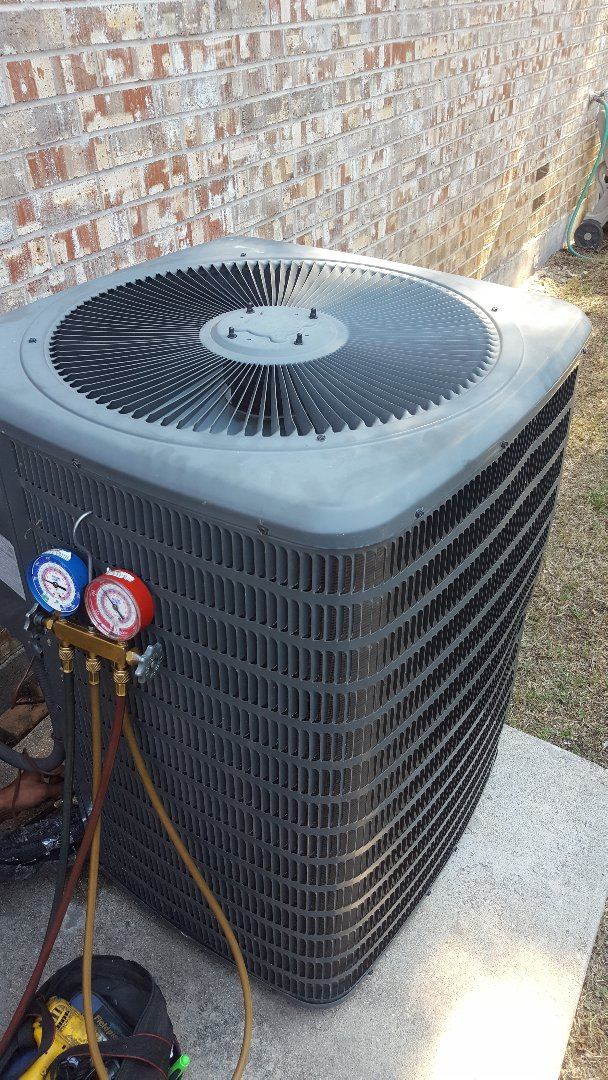 Little Elm, TX - Service on Goodman Air conditioning