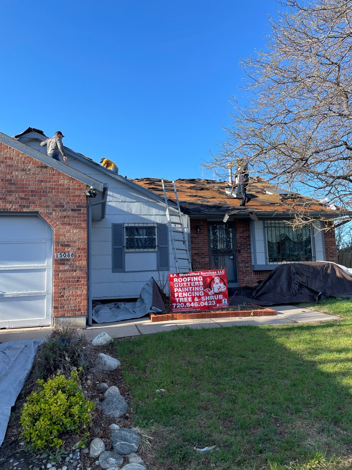 Denver, CO - Roof install here in the Denver area! Helped out the homeowner with the insurance claim and she was approved! Feel free to contact us if you need us to come take a look at your roof, gutters or exterior painting!