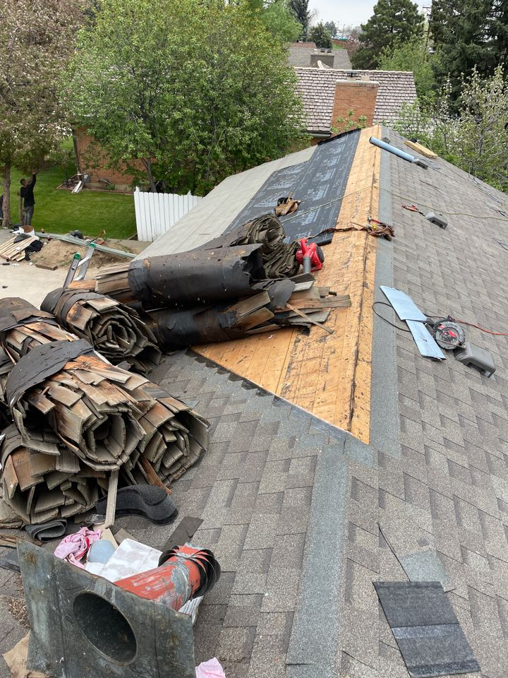 Northglenn, CO - Roof replacement on an old wood shake roof!