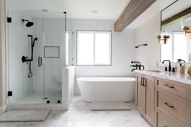 Resicom provided remodel services to the master bedroom, master bathroom, and stairwell.